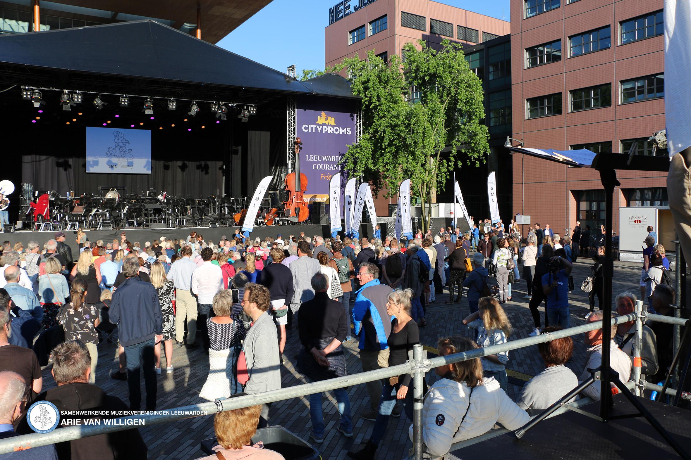 SML tijdens de opening cityproms Leeuwarden